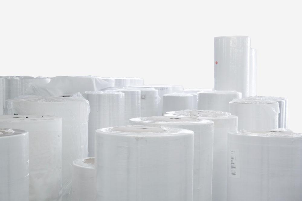 Rotoli di tessuto non tessuto imballati
